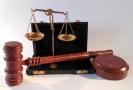 Soudce Strnad údajně porušil základní procesní pravidla.