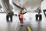 Bezdomovec přežil na podvozku letadla 1600 kilometrů
