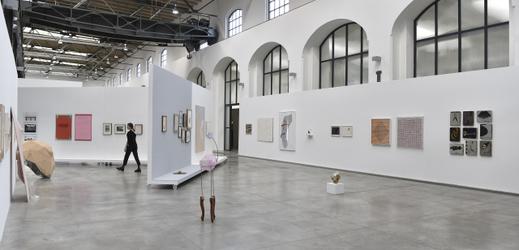 Výstava ECHO/Výběr ze sbírky Fait Gallery je k vidění od 27. března 2019 v brněnské Fait Gallery. Expozice zahrnující přes stovku autorů různých generací potrvá do 18. května.
