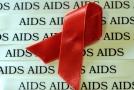 Podle odborníků včasným odhalením nemoci a léčbou lze předejít rozvinutí viru HIV v nemoc AIDS (ilustrační foto).