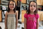 Dceru poslala do školky v šatech. Učitelka ji převlékla