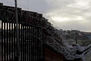 VIDEO: Uprchlíci jsou v Bosně a Hercegovině drženi v klecích