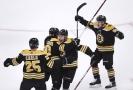Hokejisté Bostonu slaví postup do druhého kola boje o Stanleyův pohár.