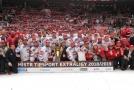Společná fotka vítězného týmu letošního ročníku hokejové extraligy.