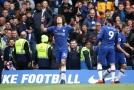 David Luiz slaví branku do sítě Watfordu.