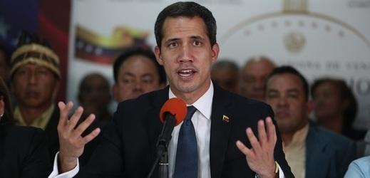 Juana Guaidóa uznává za prezidenta Venezuely šedesát zemí.
