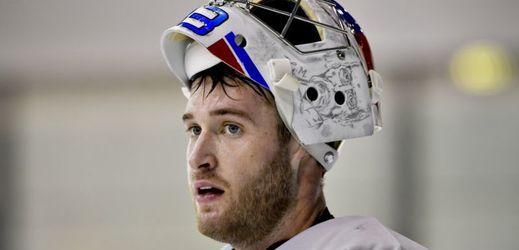 Český hokejový brankář Pavel Francouz.