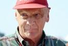 Zemřel Niki Lauda, legendární pilot formule 1.