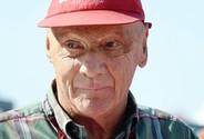 Zemřel Niki Lauda, legendární pilot formule 1