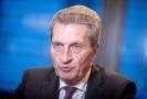 Rozpočtový komisař EU Günther Oettinger.