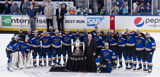 Radost hokejistů St. Louis Blues.