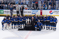 Radost hokejistů St. Louis Blues.