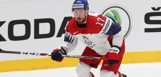 Hokejový bek Filip Hronek.