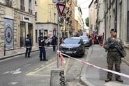 V centru Lyonu explodovala bomba. Osm lidí je zraněných