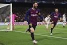 Lionel Messi se raduje z gólu do sítě Liverpoolu v úvodním utkání semifinále Ligy mistrů.