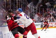 Češi si finále nezahrají, Kanada trestala chyby