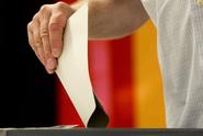 V Německu vyhrála CDU/CSU, hodně ale oslabila