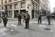 Policisté v Lyonu dopadli muže, který nastražil výbušninu