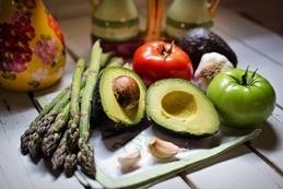 Veganská strava vylučuje nejen maso, ale také veškeré živočišné produkty.