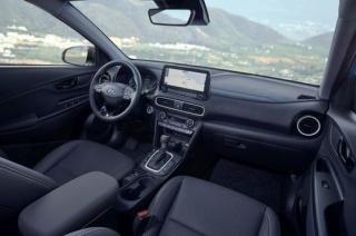Interiér Hyundai KONA Hybrid.
