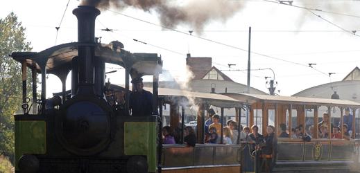 Historická parní tramvaj Caroline.