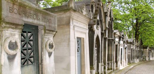 Pařížský hřbitov Père Lachaise.
