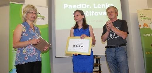 Největší ekologičtí srdcaři mezi pedagogy si převzali ocenění Ekoučitel roku.