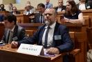 Předseda asociace D-O-L Jan Skalický obhajoval výstavbu v Senátu.