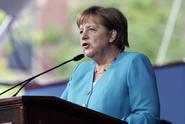 SPD je na dně. Partner Merkelové nadále ztrácí preference