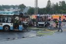 Celkem 12 zaparkovaných autobusů poškodil 15. června 2019 večer požár v garážích Dopravního podniku Ostrava. Při zásahu se zranil jeden hasič. Zkolaboval vinou vysokých teplot. Příčinu požáru hasiči zjišťují. Dopravce škodu teprve vyčíslí.