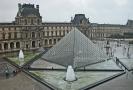 Pařížský Louvre.