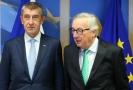 Zleva premiér Andrej Babiš a předseda Evropské komise Jean-Claude Juncker.