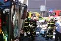 Osm lidí, z toho jeden těžce, bylo zraněno v Českých Budějovice při nehodě trolejbusu.