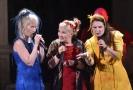 Finská folková skupina Värttinä. Zleva Susan Aho, Mari Kaasinenová a Karoliina Kantelinenová.