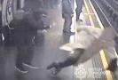 Brit, který strčil seniora do kolejiště metra, dostal doživotí.