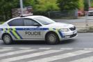 Na snímku policejní vůz.