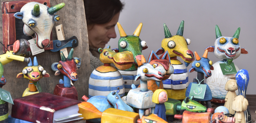 Festival představuje hračky z přírodních materiálů.