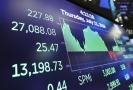 Dow Jonesův index poprvé uzavřel nad hranicí 27 tisíc bodů.