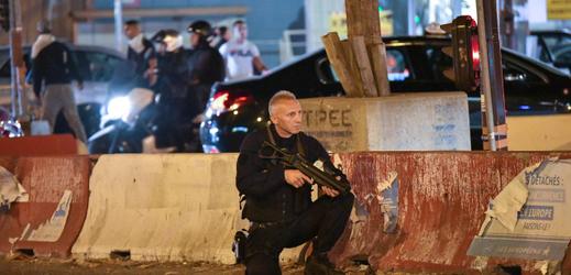 V několika francouzských městech zasahovala policie.
