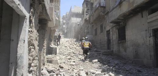 Vybombardované syrské město.