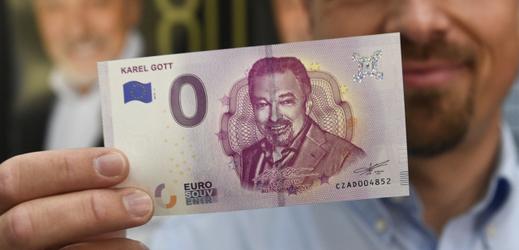 Bankovek s podobiznou Karla Gotta bylo vyrobeno pět tisíc.