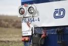 Žena na následky zranění srážky s vlakem posléze zemřela.
