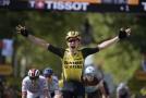 Van Aert slaví v desáté etapě Tour de France etapový vavřín.