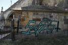 Graffiti je přes pět metrů dlouhé a dva metry vysoké.