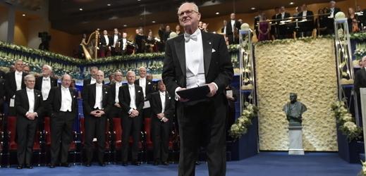 Reiner Weiss při převzetí Nobelovy ceny v roce 2017.