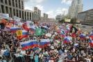 V Moskvě demonstrovalo 10 tisíc lidí za spravedlivé volby.