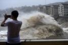Tajfun Lekima po sobě na východním pobřeží Číny zanechal spoušť.