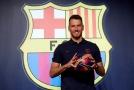 Zraněného gólmana má i Barcelona, Neto bude chybět měsíce.