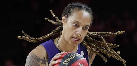 Když se holky poperou... Za rvačku basketbalistek padly tresty.