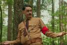 Taika Waititi jako Adolf Hitler ve svém připravovaném satirickém snímku Jojo Rabbit.